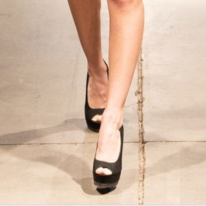 Brian Atwood open toes pumps